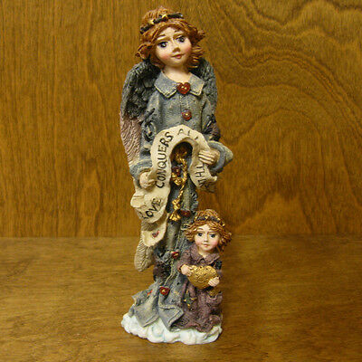 Boyds Folkstone #2821 ANGEL OF LOVE, retired Angel MIB New from our Retail Store