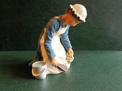 1/12th Scale. Dolls House. Kneeling Maid With Brush, Rag & Bucket. (Resin)