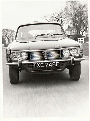 Rover 3500 (P6) Series 1, Period Photograph.