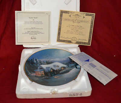 Thomas Kinkade SILENT NIGHT Christmas Collector Plate Yuletide Memories NEW