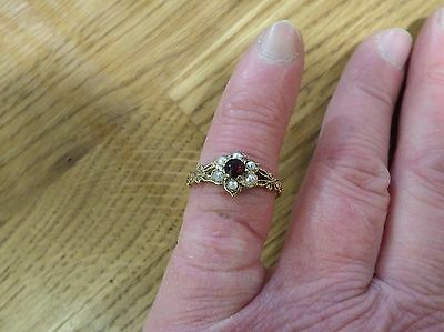 Sheffield Hallmarked 9ct yellow gold Garnet & seed pearl ring - UK size S. 2g