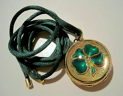 ESTEE LAUDER 2004 LUCKY FOUR LEAF CLOVER Perfume Solid Compact PENDANT NECKLACE