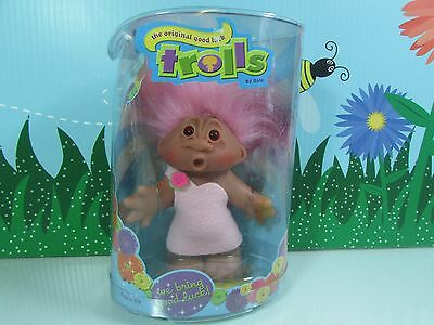"GIRL IN WHITE FELT DRESS w//GOLD BELT 5/"" Dam Troll Doll NEW IN CONTAINER"