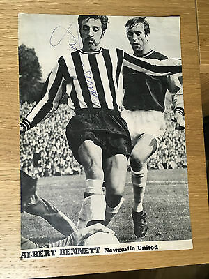 Superb Albert Bennett signed picture Newcastle United autograph 1965-1969