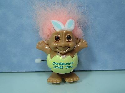 "EASTER JUMPING ""SOMEBUNNY LOVES YOU"" WIND UP TOY - 3"" Russ Troll Doll - NEW"
