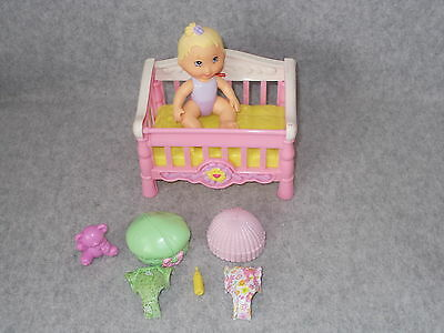 Fisher Price 2006 Snap n Style Blond Baby Doll Clothes Accessory Bear Crib Bed