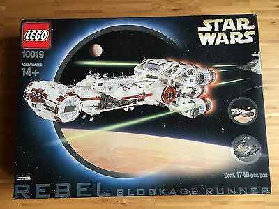 LEGO UCS Star Wars 10019 Rebel Blockade Runner