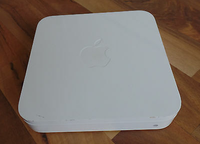 APPLE AIRPORT EXTREME BASE STATION 300 Mbps (Model A1408)