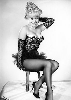 """Barbara Windsor Carry On Films 10"""" x 8"""" Photograph no 45"""