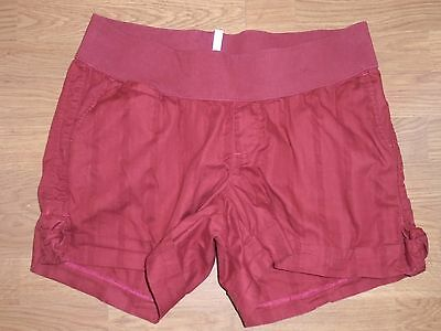 Old Navy Maternity burgundy low rise shorts size L