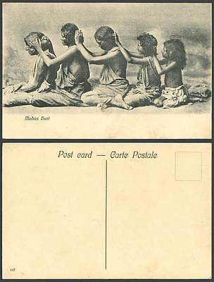 India Old Postcard MADRAS HUNT Native Women Girls Hunting for Lice Louse, Ethnic
