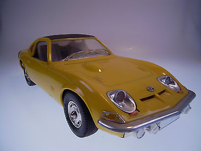 "GSPKW ""GAMA OPEL GT""  1:13,5, Friktion, NEUWERTIG /LIKE NEW  !"