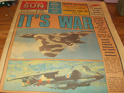 Dinky  toys pattern vulcan bomber on Toronto SUN newspaper May 2 1982 unread