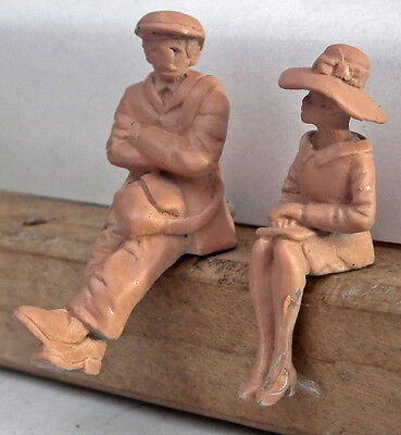 7mm O gauge 1/43rd scale figures of sitting people Omen Miniatures limited range