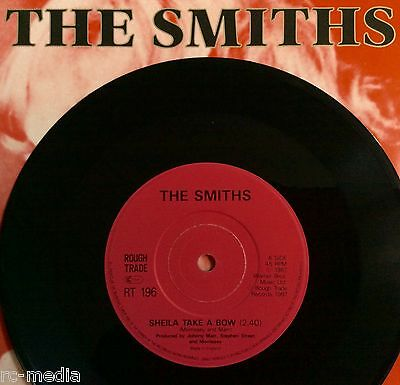 """The Smiths - Sheila Take A Bow - Very Rare UK Solid Centre 7"""" +Pic Sleeve"""