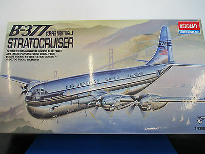 1/72 Scatola di Montaggio Model Kit Boeing B-377 Stratocruiser Pan Am by Academy