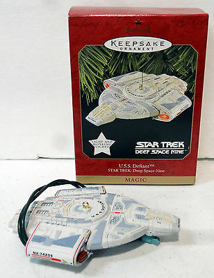 1997 Star Trek Hallmark Ornament USS Defiant Deep Space Nine