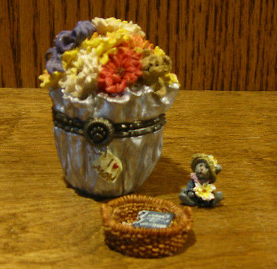 Boyds Treasure Boxes  #82510 Flora's Bloomin' Bunch MIB New from our Retail Shop