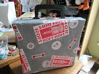 """VINTAGE 1950s 1960s  7"""" VINYL RECORD / SMALL CASE, MAKE UP/PLAY/PROP"""