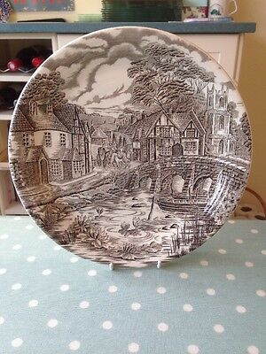 Vintage Alfred Meakin Decorative Plate. The Post House. 27cm Diameter.