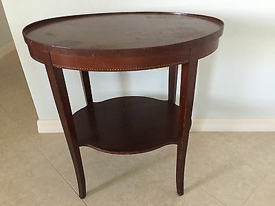English /Federal Inlaid Wood Sheraton Style Oval Mahogany Side End Lamp Table