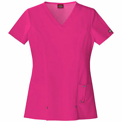"""Dickies Extreme Stretch 82851 V-Neck Scrub Top in """"Hot Pink"""" Size 2XL"""