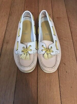 Rockport boat shoes, size 4, excellent condition