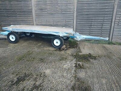 TR613 3000kg 8ft x 4ft turntable solid tyre trailer