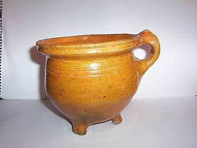Late Medieval pottery Pipkin c. 17th century