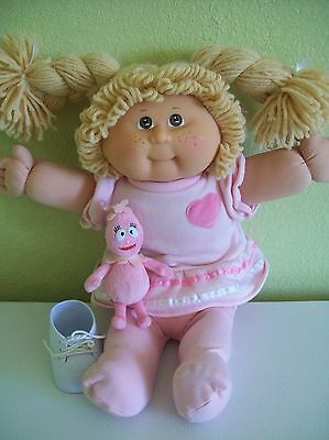 Cabbage Patch 2008 25th Anniversary Doll Freckles Strawberry Blond Brown Eyes