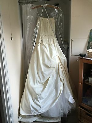 Beautiful Wedding Dress Size 12, Princess Style With Crystals