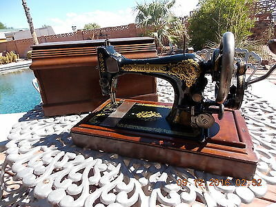 1911 Antique Singer Hand Crank 28K Sewing Machine With Coffin Style Case