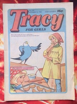 TRACY COMIC No. 219. 10 DECEMBER 1983. FN. Unread/Unsold Newsagents Stock.