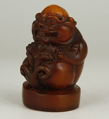 China Collectible Old Handwork Carved Kirin Statue Yak Horn Seals