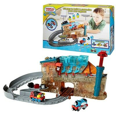 Thomas and Friends - Locomotives Factory Play Set Take-n-Play Mattel