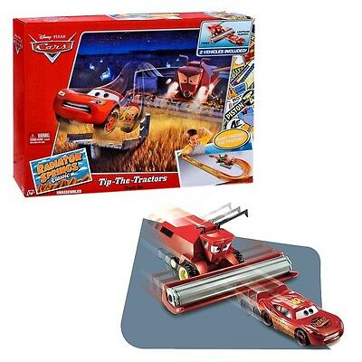 Disney Cars - Set de Juego Frank & Lightning McQueen Tip the Tractors