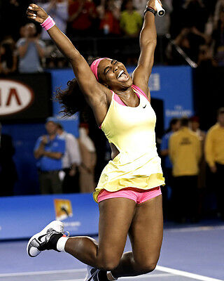 Serena Williams unsigned 8x10 tennis action photo