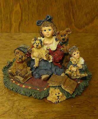 Boyds Dollstone(s) #3542 Kelly and Company..Bear Collector, Limited Ed. Feb Ed