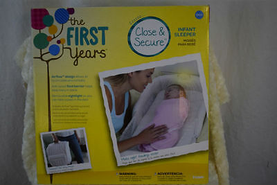 The First Years Close & Secure Portable Infant Sleeper With Night Light New!