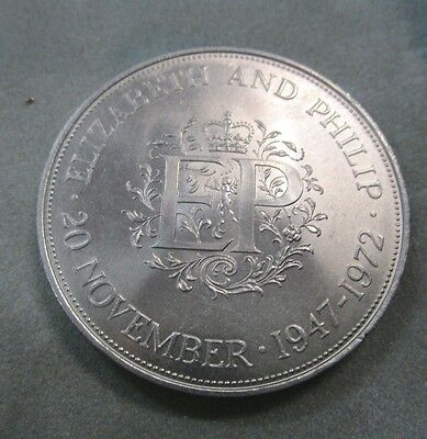 1972 English Uncirculated 5 Shillings Silver Wedding Commemorative Crown -