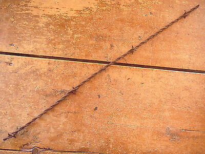 Scutts Small Cast Iron Double Vee Thick Center Plate  - Antique Barbed Barb Wire