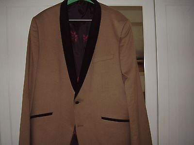 """Asos Funky 3 Piece Suit   Jacket & Waistcoat 46""""   Trousers 36""""   Worn Once Only"""