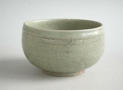 Chinese Song / Yuan Dynasty Longquan Celadon Alms Bowl (13th / 14th Century)