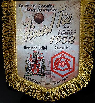 fa cup final tie 1952 newcastle united v arsenal colour pennant