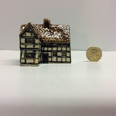 Tey Pottery Britain In Miniature - Hall House No.36