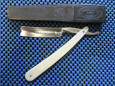 "A 6/8"" Straight Razor Manufactured by Joseph Elliot (3)"
