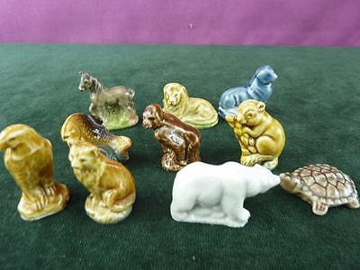 A Nice set of 10 Vintage Wade Whimsey figures doormouse fish Etc. (10)