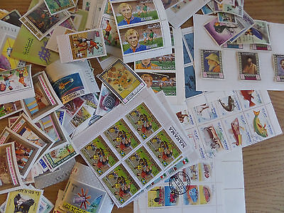 UAE States Clearout of material - plenty of unmounted mint sets
