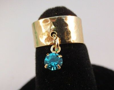 14 Kt Gold Plated Hammered Toe Ring With  Turquoise (December) Crystal Dangle