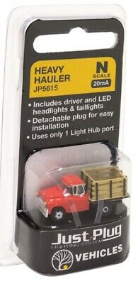 N scale Woodland Scenics Just Plug Lighted Vehicle Green Pickup JP5610